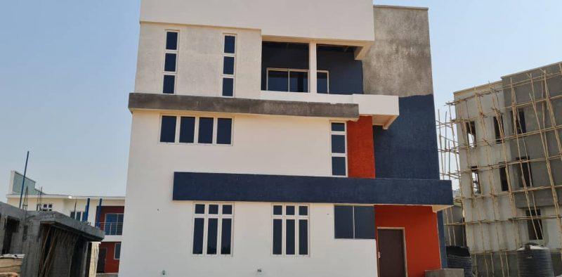 6 bedroom duplex complete.jpeg 2